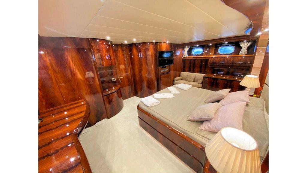 Maiora 32 DP 2010 Motor Yacht (69)