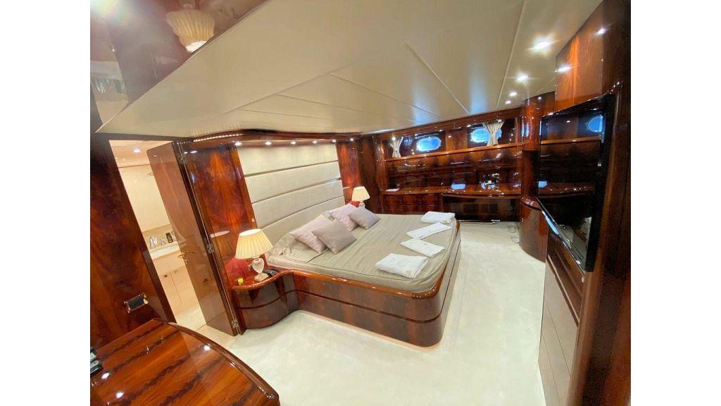 Maiora 32 DP 2010 Motor Yacht (70)