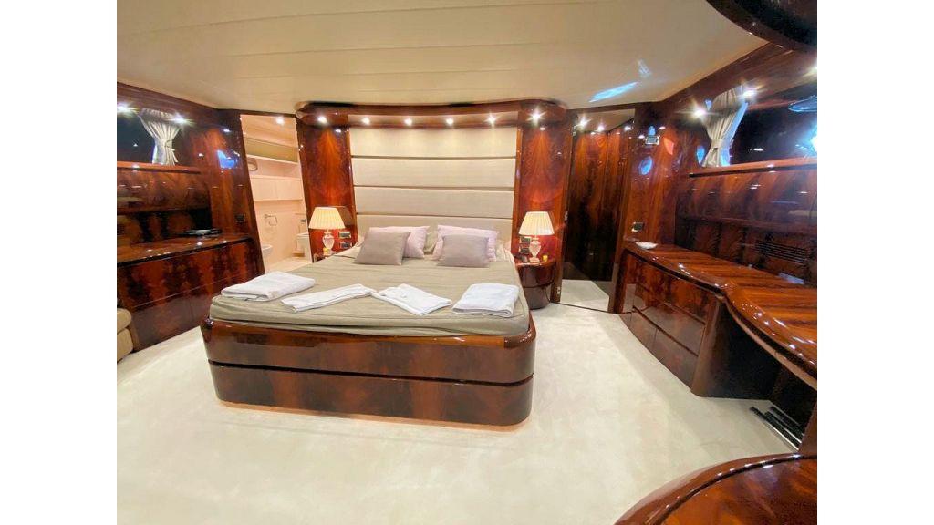 Maiora 32 DP 2010 Motor Yacht (71)