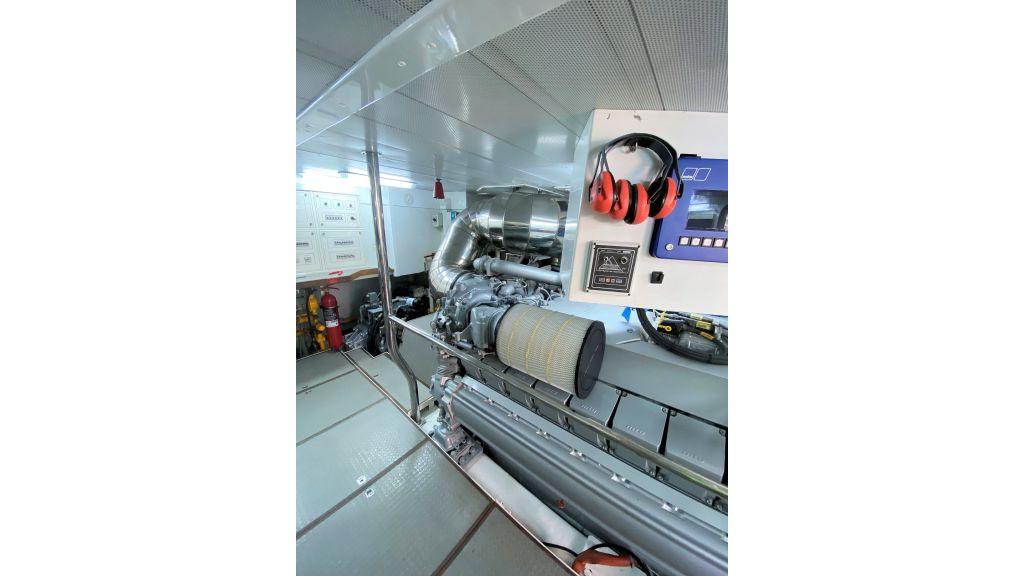 Maiora 32 DP 2010 Motor Yacht (78)