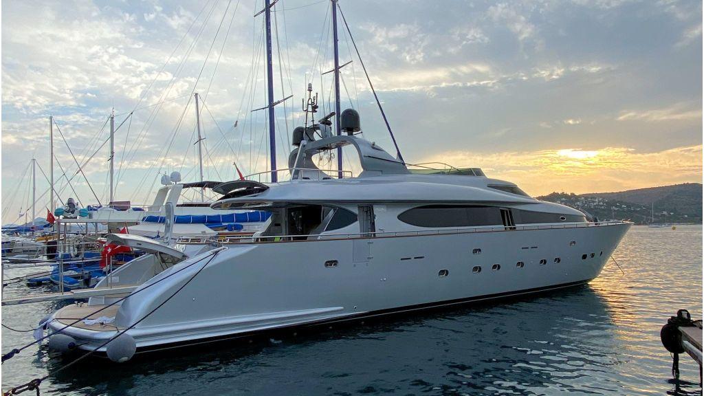 Maiora 32 DP 2010 Motor Yacht (8) - master