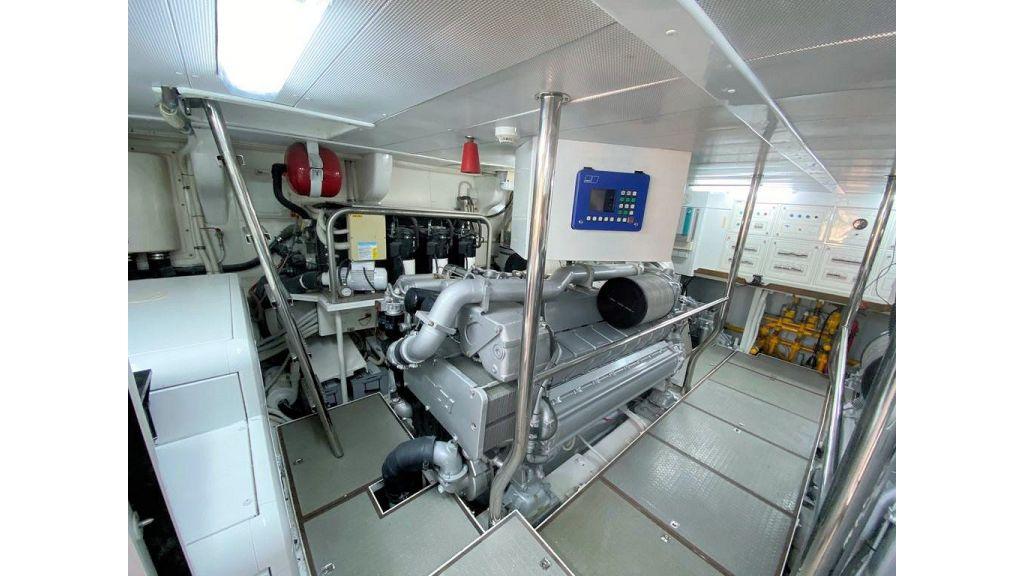 Maiora 32 DP 2010 Motor Yacht (82)