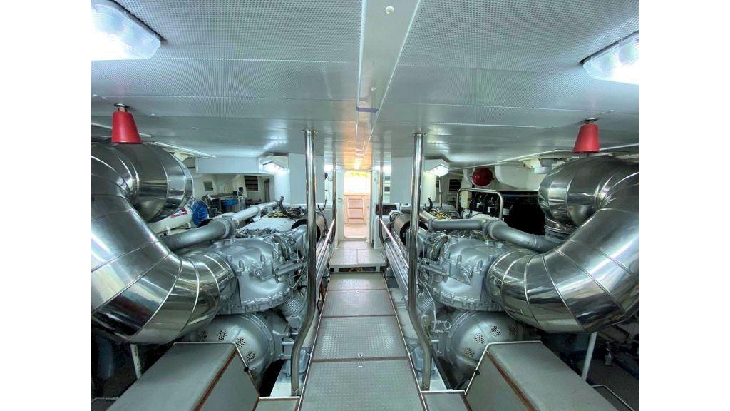 Maiora 32 DP 2010 Motor Yacht (84)