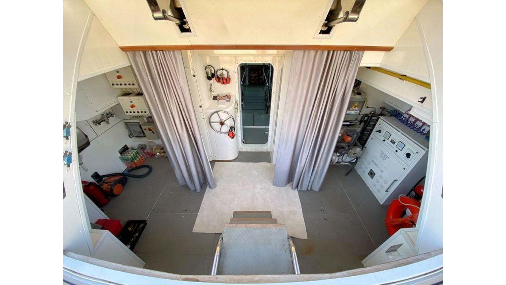 Maiora 32 DP 2010 Motor Yacht (85)