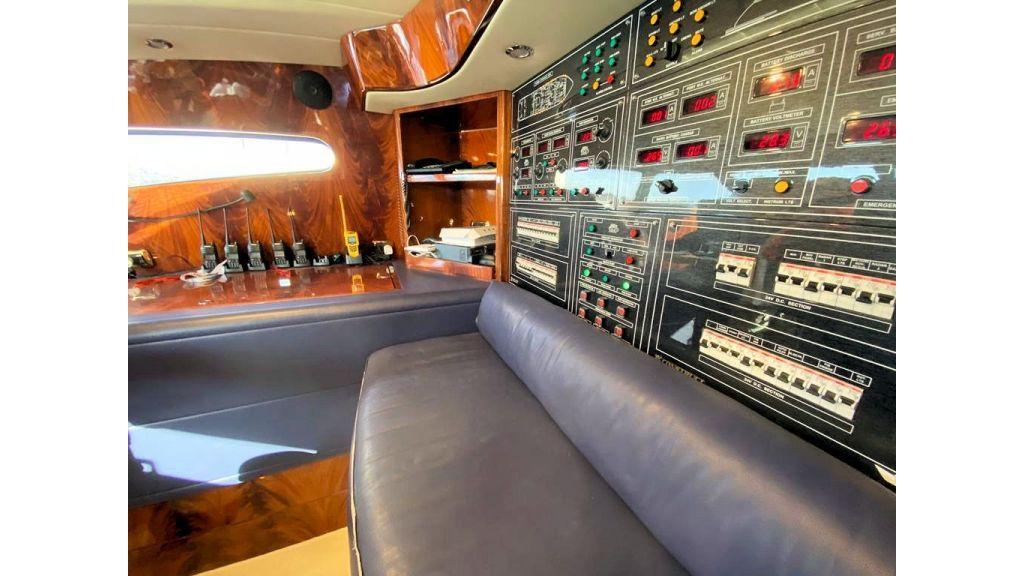Maiora 32 DP 2010 Motor Yacht (86)