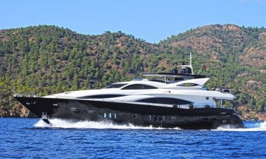 Evolution Motoryacht (1)