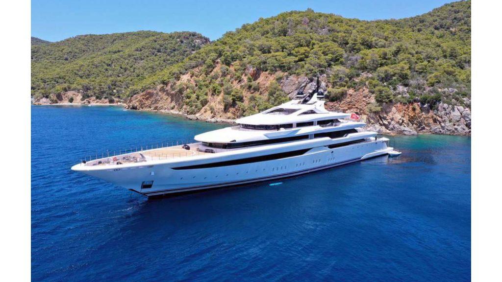 Q'Pari Super Yacht (24)