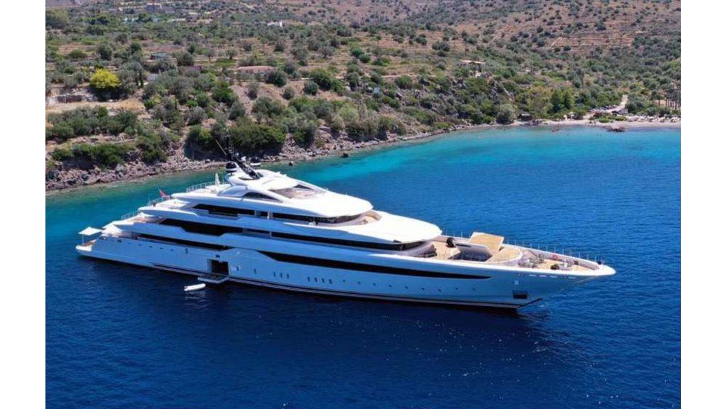 Q'Pari Super Yacht (5)