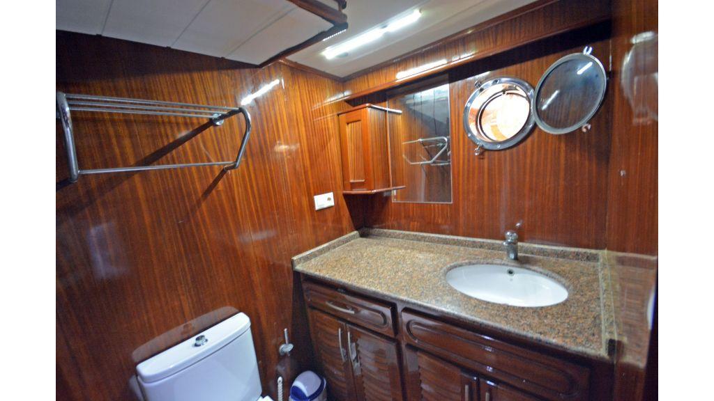 5 Cabins Transom Gulet (35)
