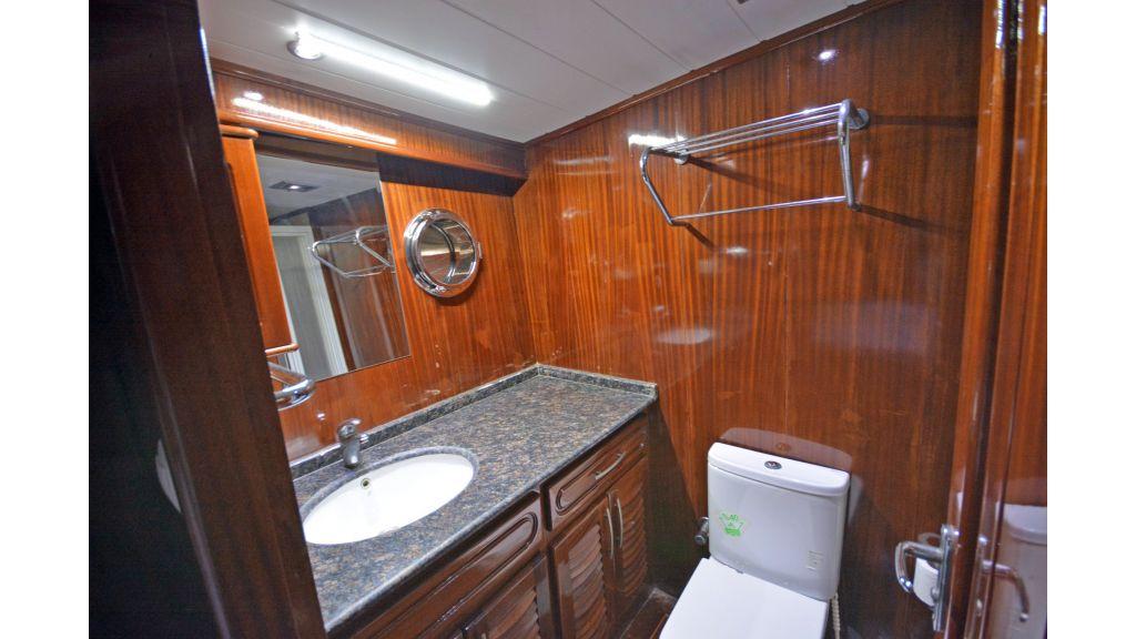 5 Cabins Transom Gulet (52)