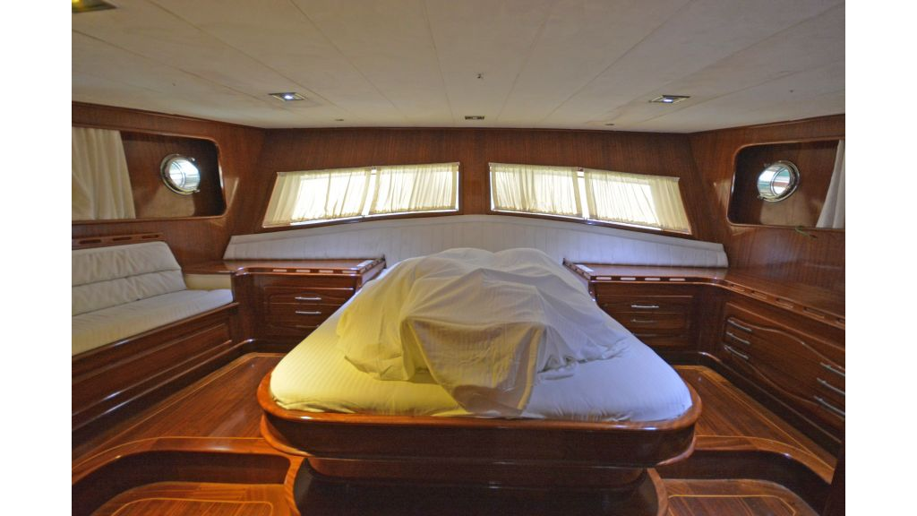 5 Cabins Transom Gulet (55)