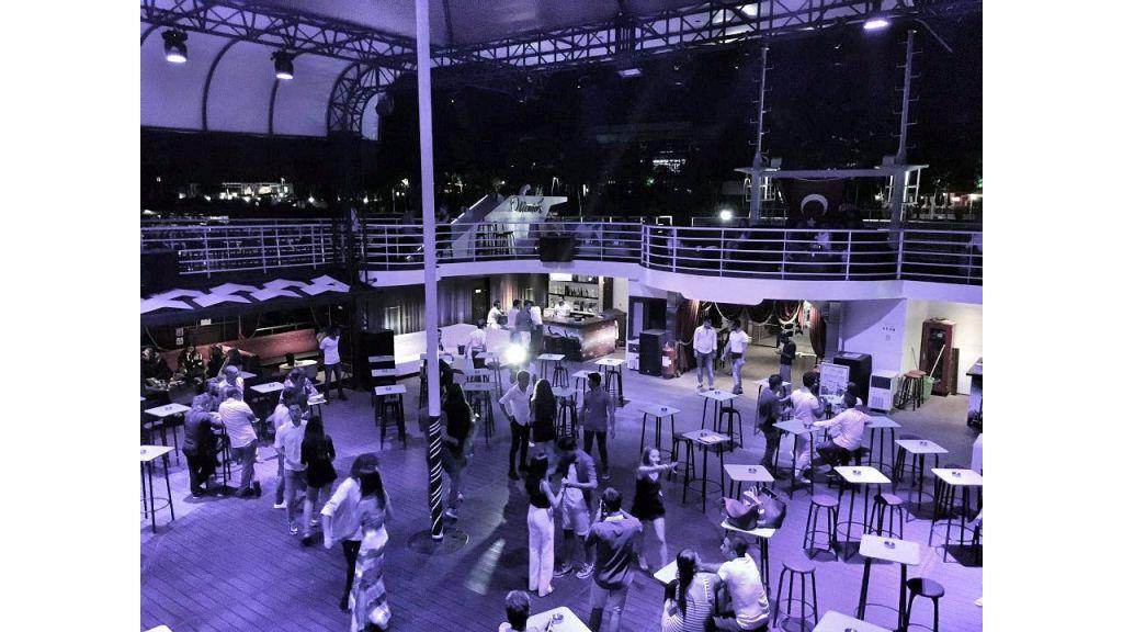 Night Club Catamaran (13)