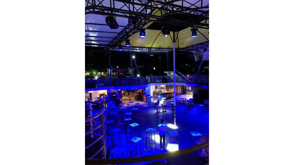 Night Club Catamaran (19)