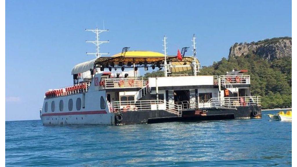 Night Club Catamaran