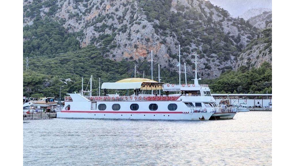 Night Club Catamaran (2) - master