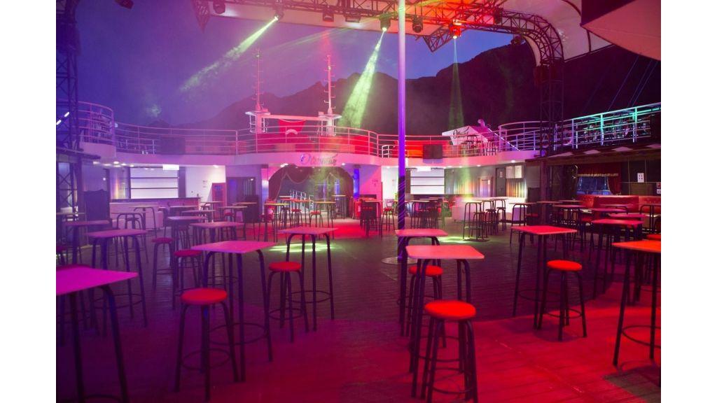 Night Club Catamaran (30)