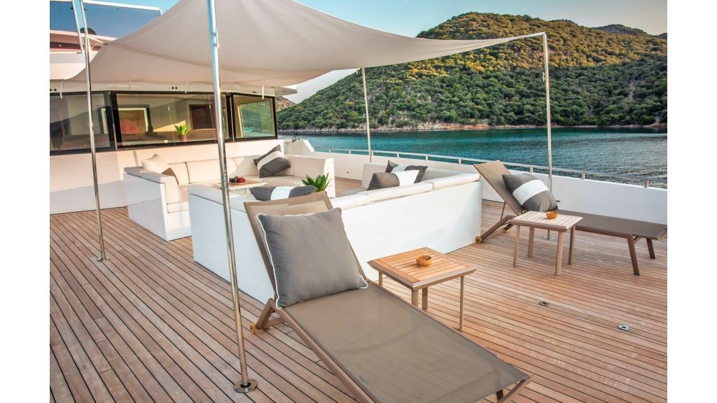 Trideck 45m Motor Yacht (26)