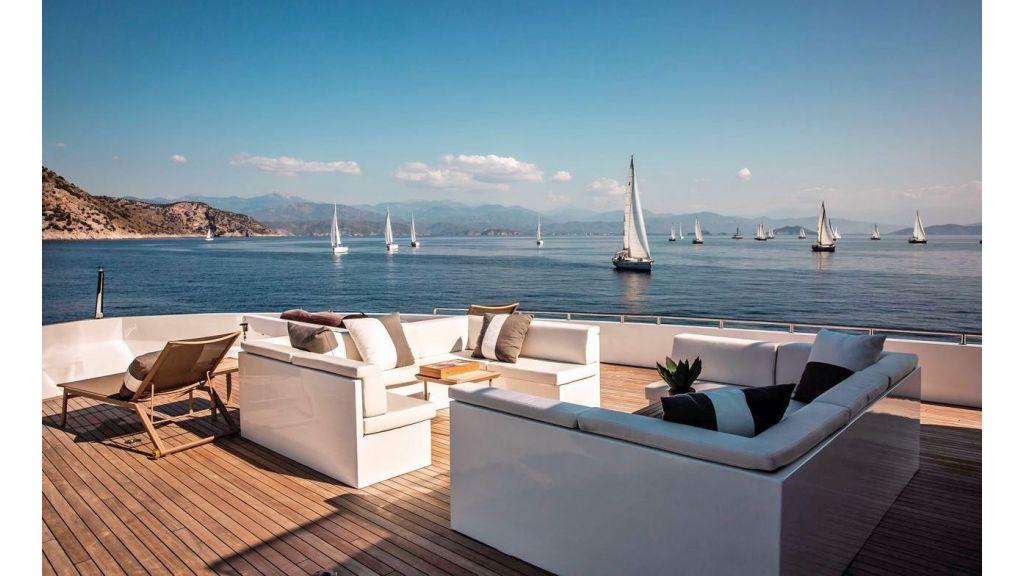 Trideck 45m Motor Yacht (3)
