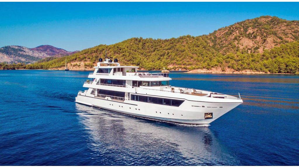 Trideck 45m Motor Yacht (30)
