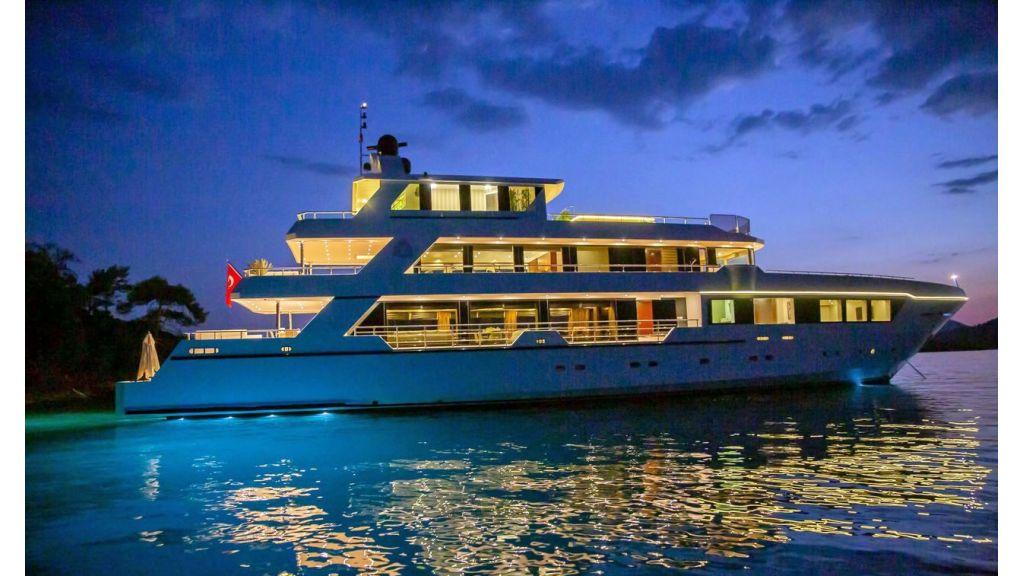 Trideck 45m Motor Yacht (32)
