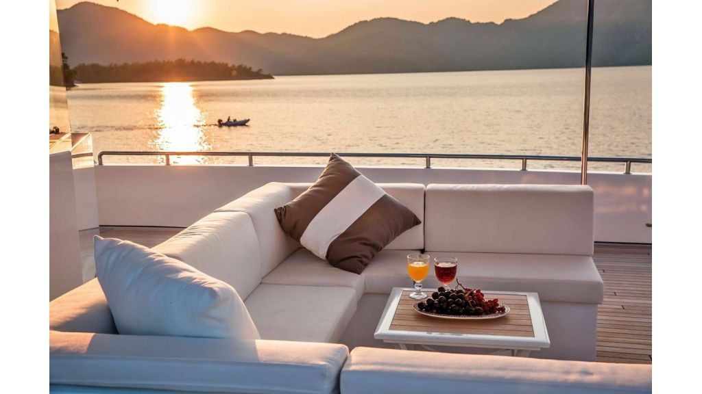 Trideck 45m Motor Yacht (34)