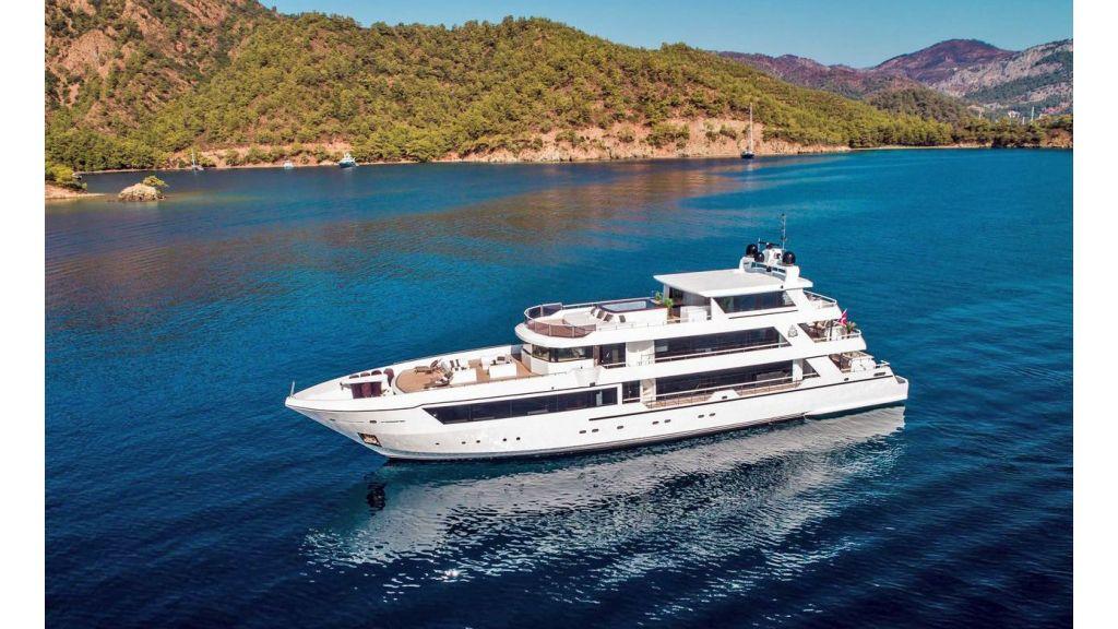 Trideck 45m Motor Yacht (7)