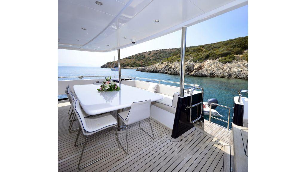 Navetta Style Motor Yacht (2)