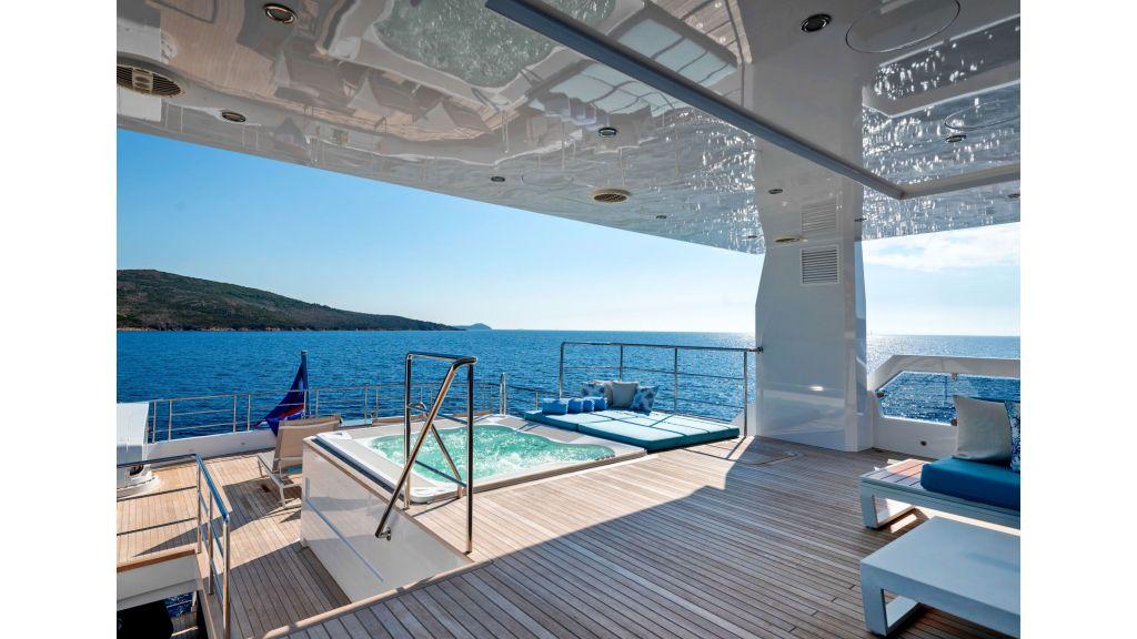 Serenitas Motor Yacht (12)
