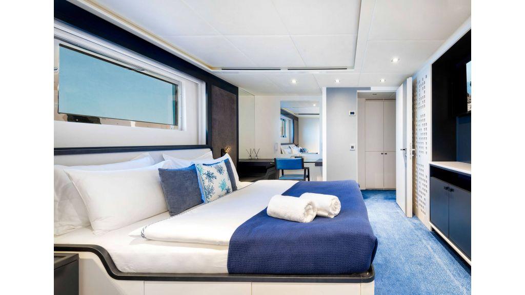 Serenitas Motor Yacht (5)