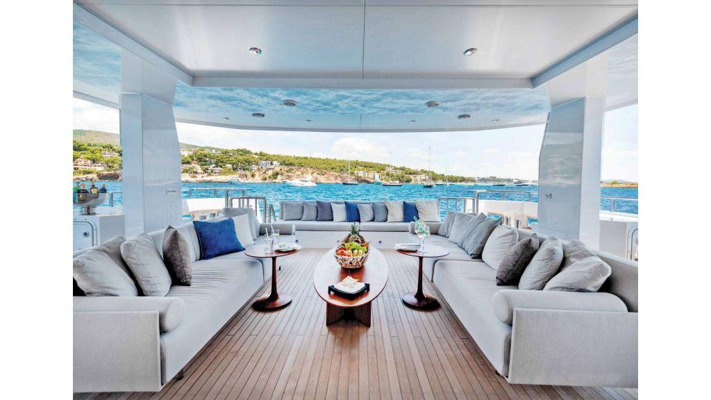 Serenitas Motor Yacht (9)