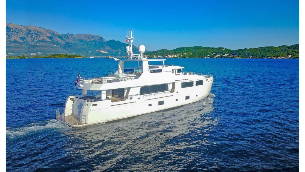 Serenitas Motor Yacht