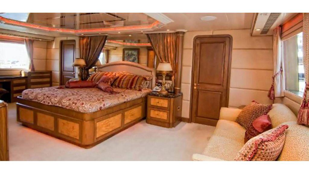 43m Gpr Motor Yacht (16)