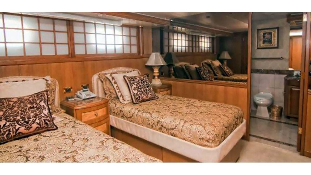 43m Gpr Motor Yacht (3)