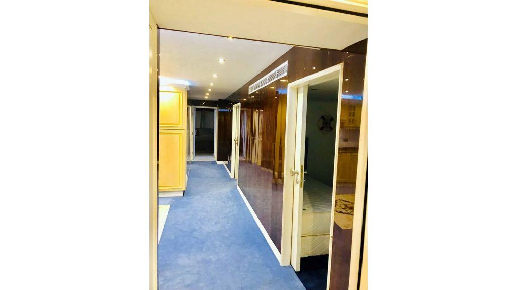 Luxury Floating House (14)