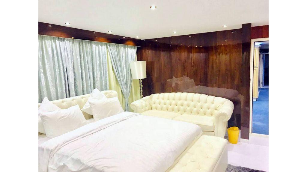 Luxury Floating House (19)