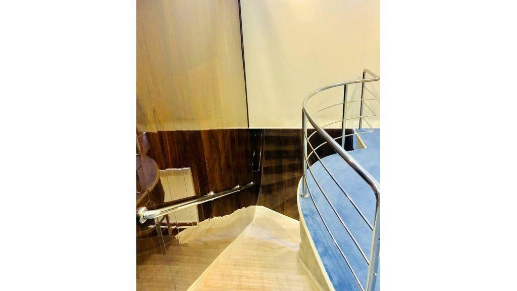 Luxury Floating House (32)