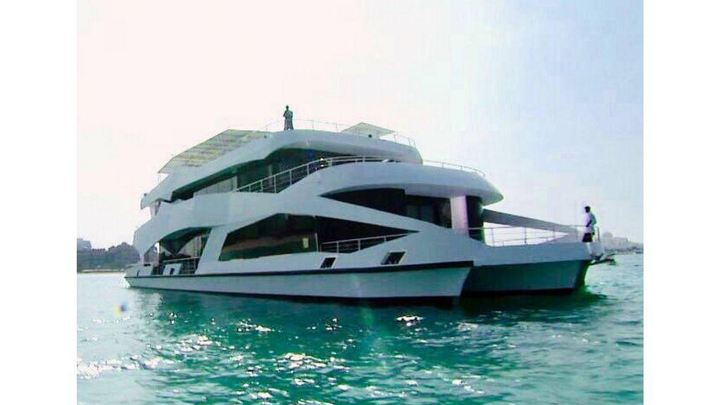 Luxury Floating House (9)