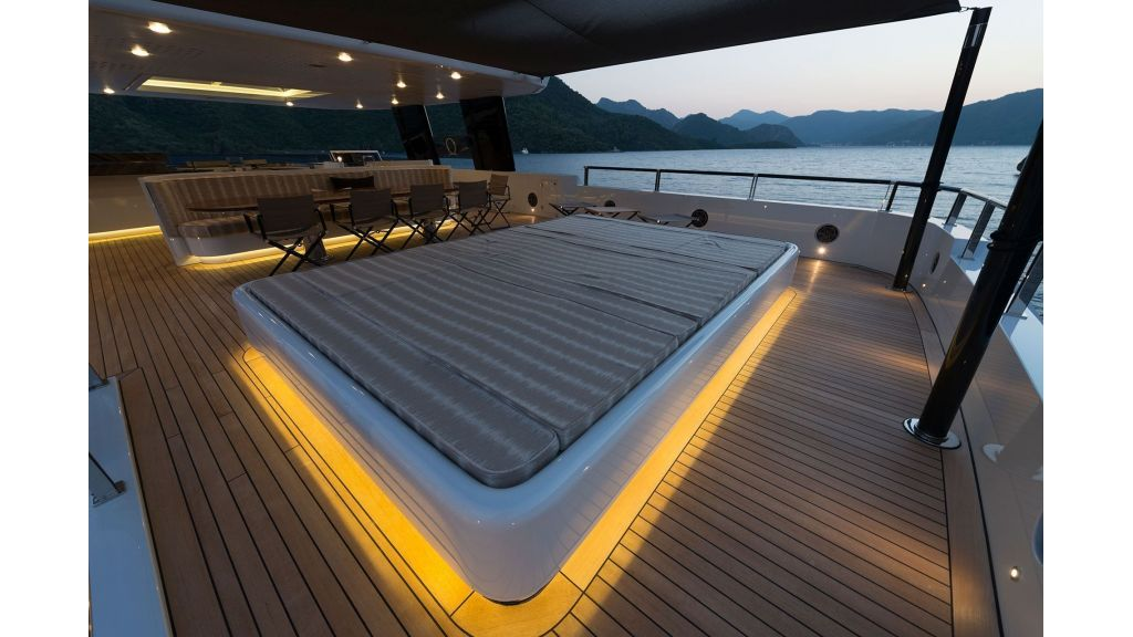 Aquarius Luxury Yacht (5)