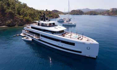 Aquarius Luxury Yacht
