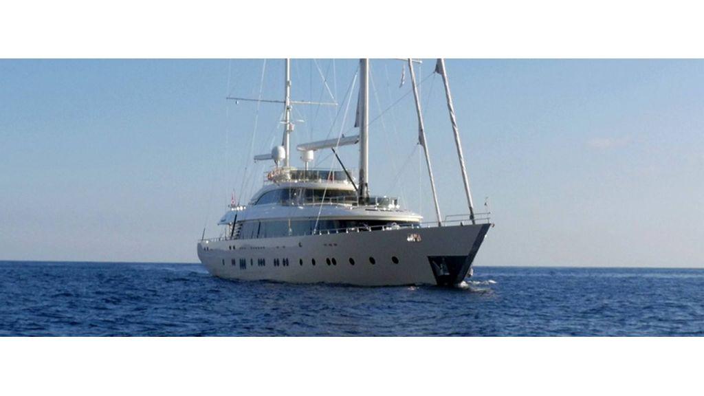 Aresteas Luxury Motor Sailer (21)