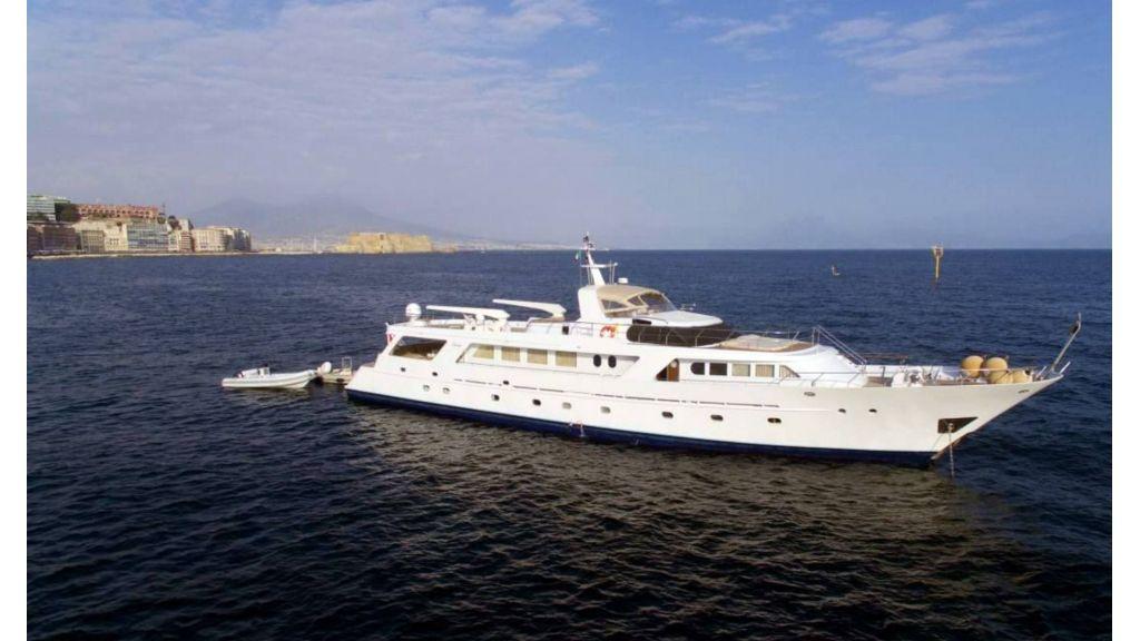 Benetti 35m Motor Yacht (2)