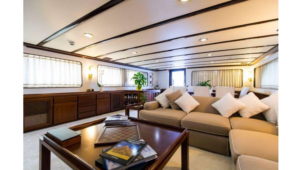 Benetti 35m Motor Yacht (22)