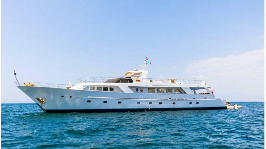 Benetti 35m Motor Yacht
