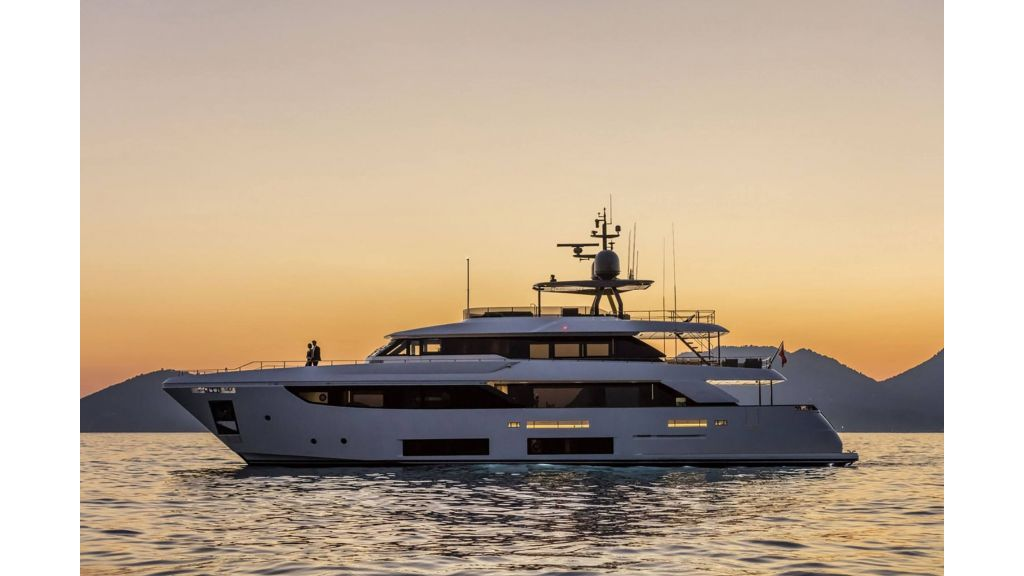Ferretti Navetta 33m Motor Yacht (3)