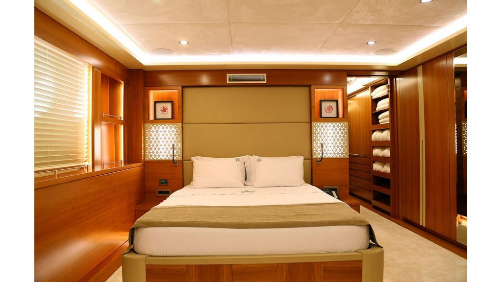 Flybridge Motor Sailer (10)