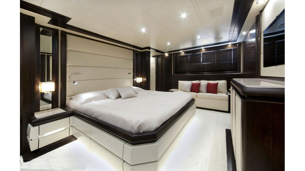 Gatsby Motor Yacht (10)