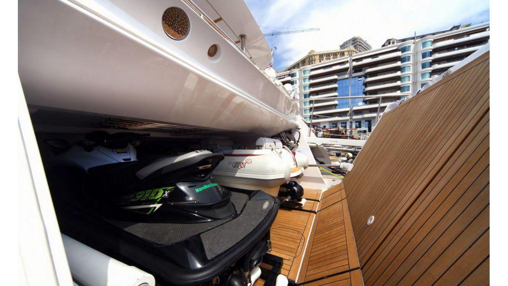 Gatsby Motor Yacht (17)