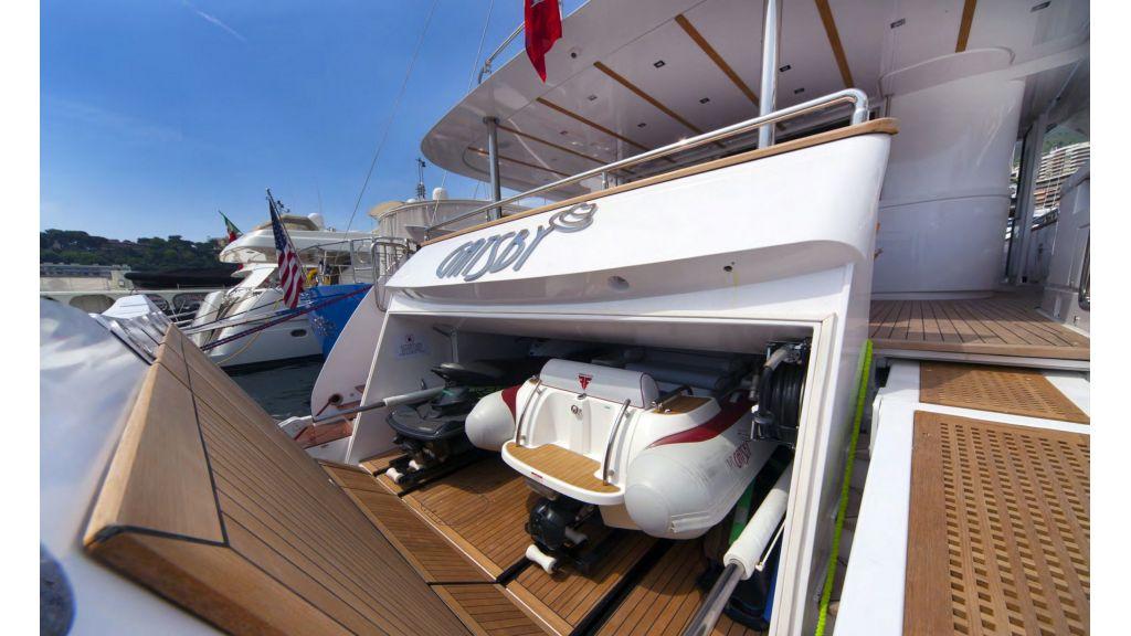 Gatsby Motor Yacht (4)