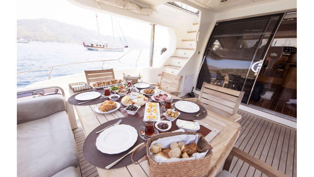 Motor Yacht Bormus 1 (22)
