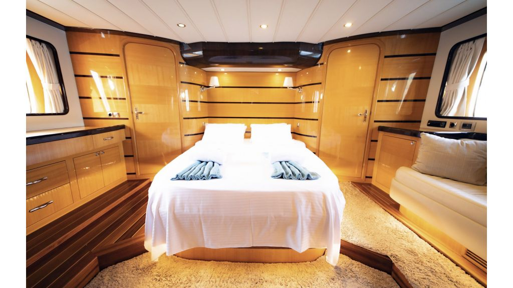 Motor Yacht Bormus 1 (25)